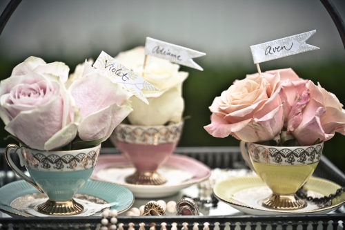 vintage-tea-cup-centerpieces