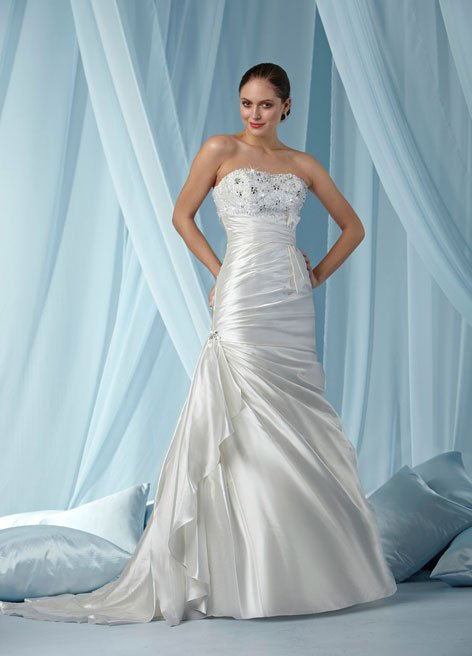 wedding dress hourglass shape | illuminate my event