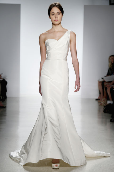 wedding dress trends 2