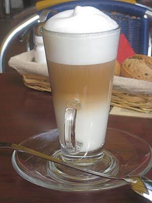Cafe D Arts Latte